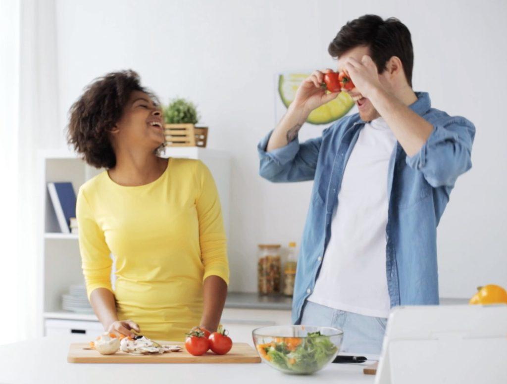 1. 吃自製的午餐和晚餐