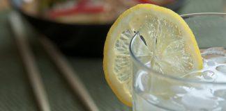 熱檸檬水加鹽並不能治療感冒