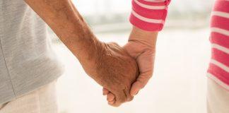 戰火拆散異國情侶-97歲爺爺與91歲奶奶相思75年後再聚首