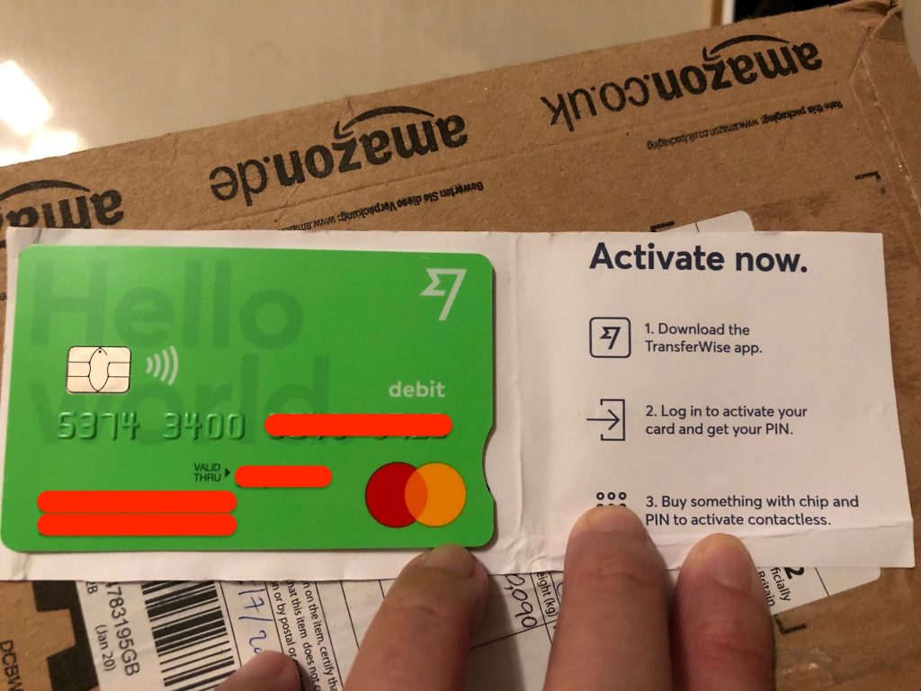 這一張便是我自己的實體卡,好靚喎!好少見到有人打開銀包,有張綠色咭,自己都覺得有啲威威嘅感覺!