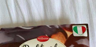 Lidl 最近是義大利食品季,今天心情鬱悶跑去隨便抓了一盒巧克力泡芙,回家躺在沙發上挖來吃,真的覺得身心舒暢! 巧克力醬濃郁帶點些微酒香,泡芙大顆,裡面的鮮奶油